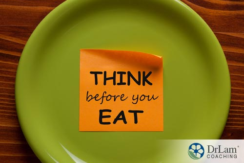 Plate with sticky note saying think before you eat for Managing IBS