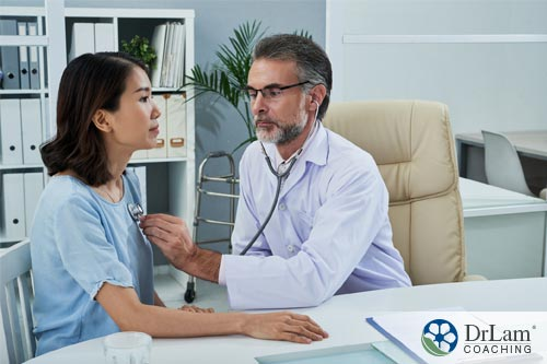 doctor listening to patient's lung function