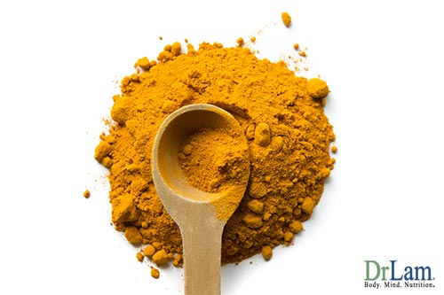 Adding turmeric to a natural facial mask recipe