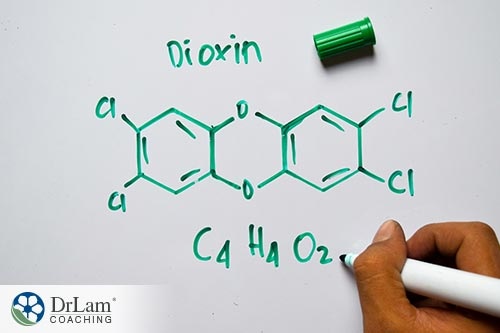 An image of the elemental structure of dioxins written in green marker