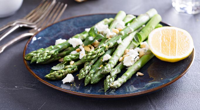 This asparagus salad is healthy and delicious