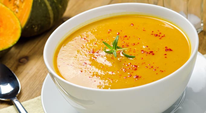 Blended soup with butternut squash and apple